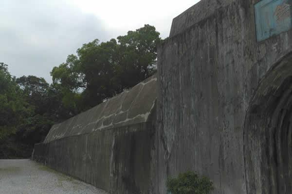 주된 벽(主牆). (아들담장:子牆)